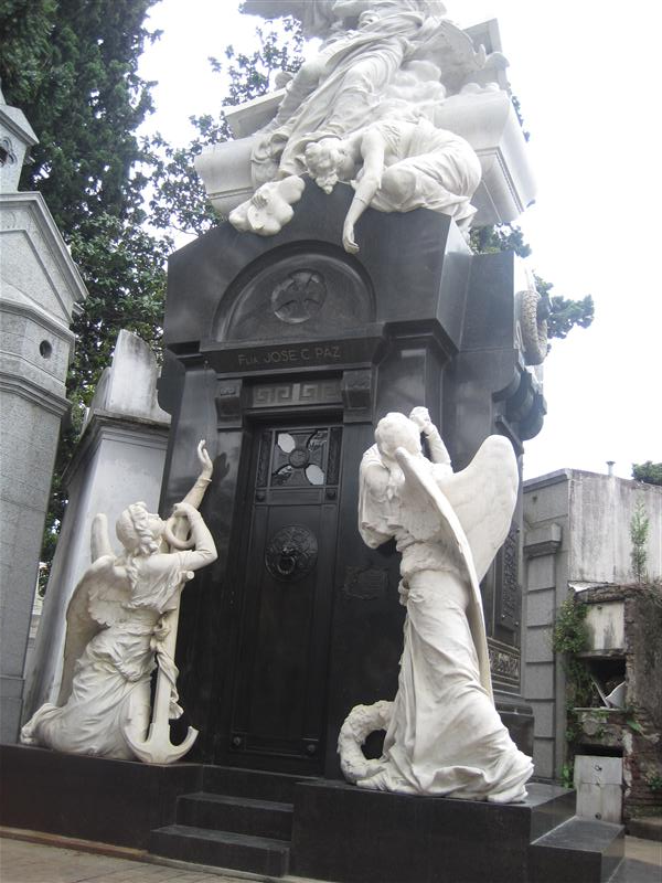 Just your average grave. Nothing fancy.