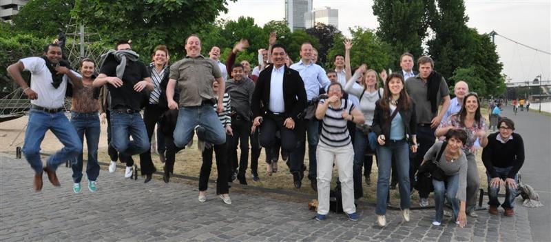 Team jumping in Frankfurt