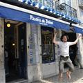 Jumping in front of Pasteis de Belèm shop !