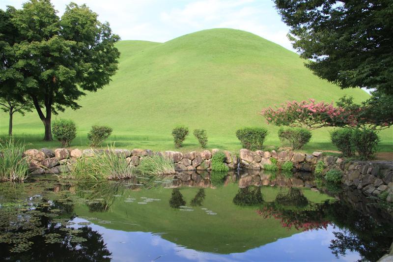 Chunmacheong (Royal tombs)