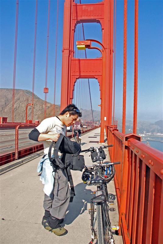 Kanootz on Golden Gate Bridge