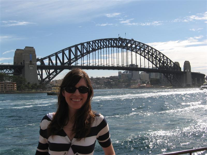 Ang posing by harbour bridge