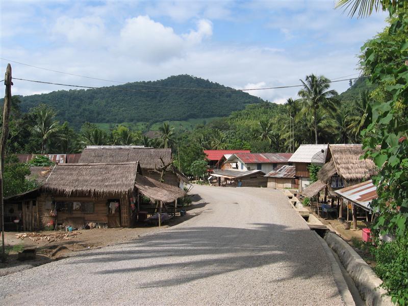 A village near Khoung Si