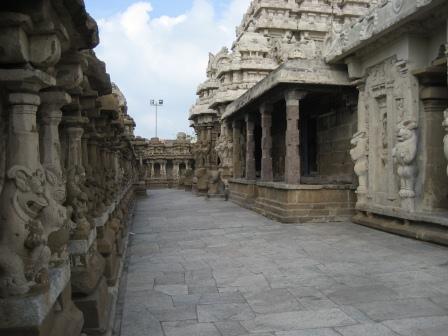 Kailasanatha-Tempel. ähnlich alt wie der Shore Tempel in Mamalla