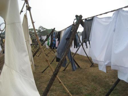 Wäscherei von Cochi n. Hier bringen Hotels ihr Wäsche. Alles wird in Handarbeit gewaschen und gebügelt. Teilweise mit Holzkohle Bügeleisen