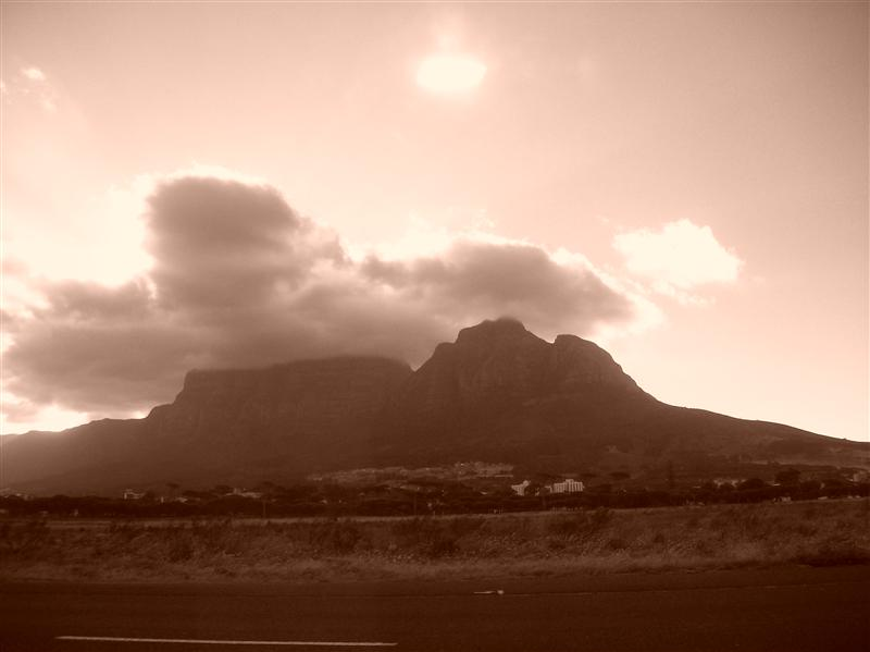 Table Mountrain (view over Rondebosch Common)