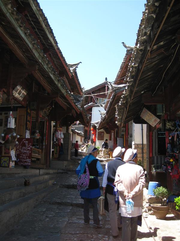 Lijiang old town, with genuine locals