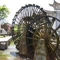 The 2 big water wheels are the first thing you see when you enter the old town.
