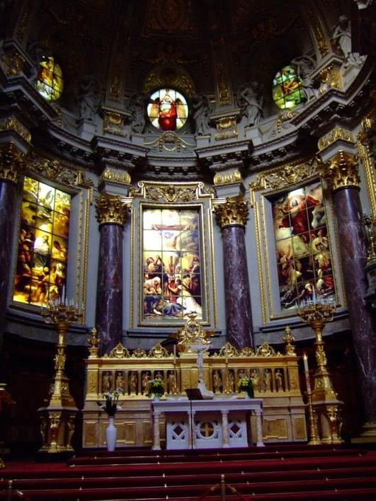 altar of Berliner Dom