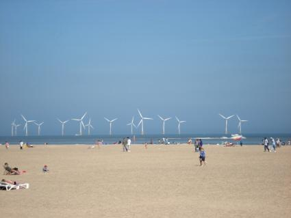 Great Yarmouth Beach and Scroby Sands windfarm