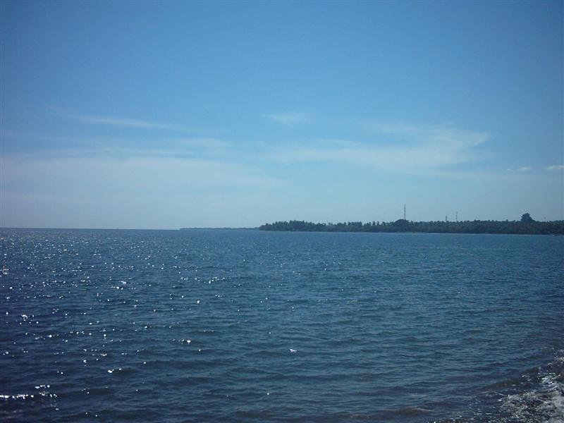 PLAYUQUI EN LOVINA BEACH, BALI