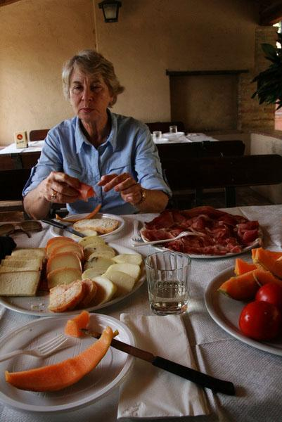 Leslie enjoying the lunch we were suprised with in Lucignano d'asso