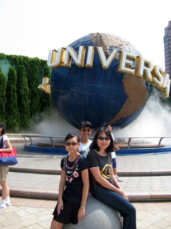 Revolving Universal