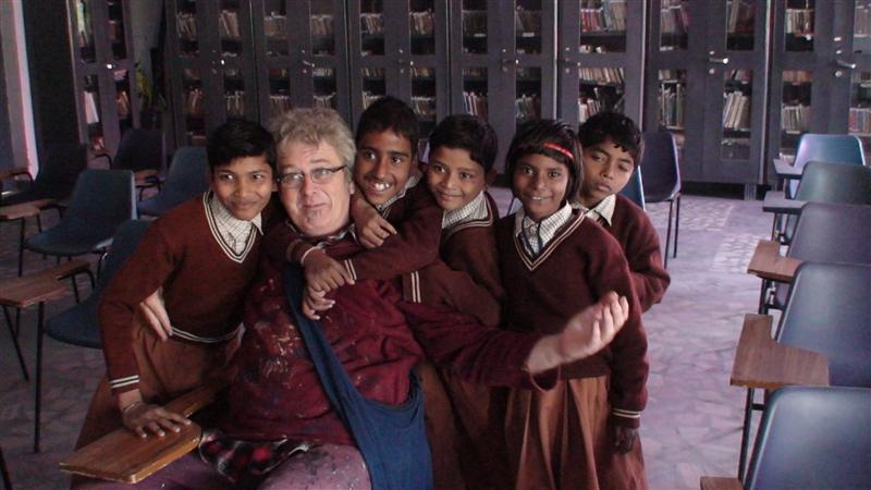 Eric and the Kids at Ashay Prakithsan School