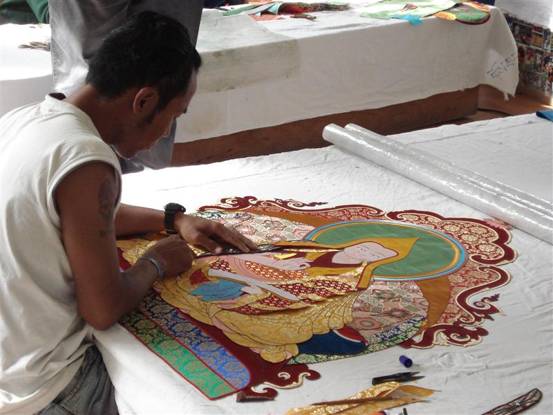 Tonka textile artists at norbulingka