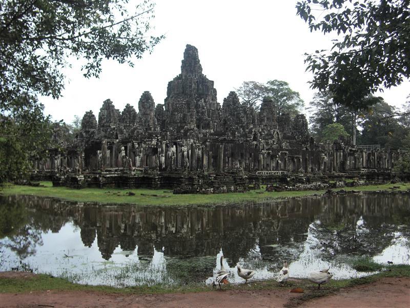 El templo de Bayon y sus mil caras, tan observadoras como los propios camboyanos