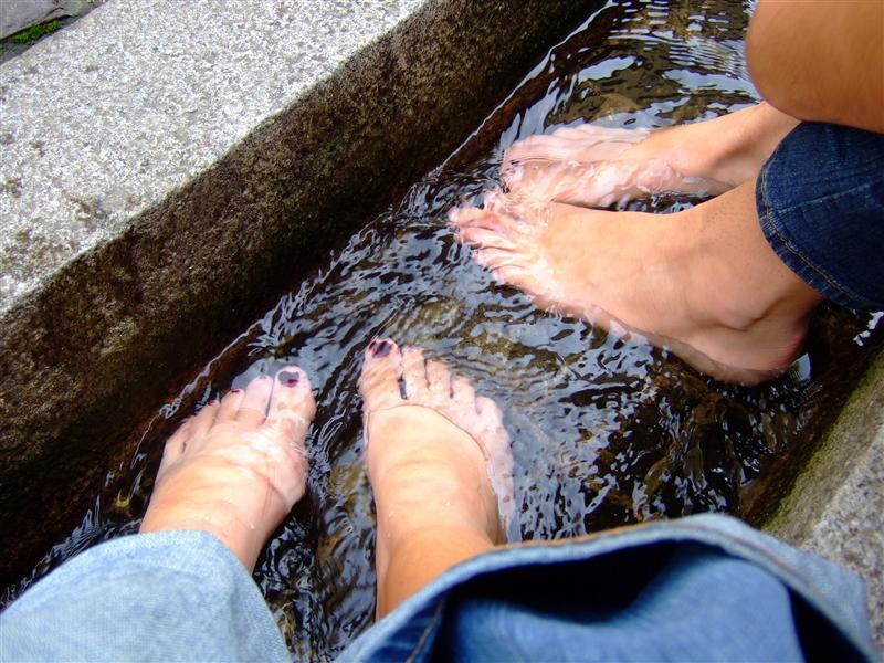 feet in Bächle
