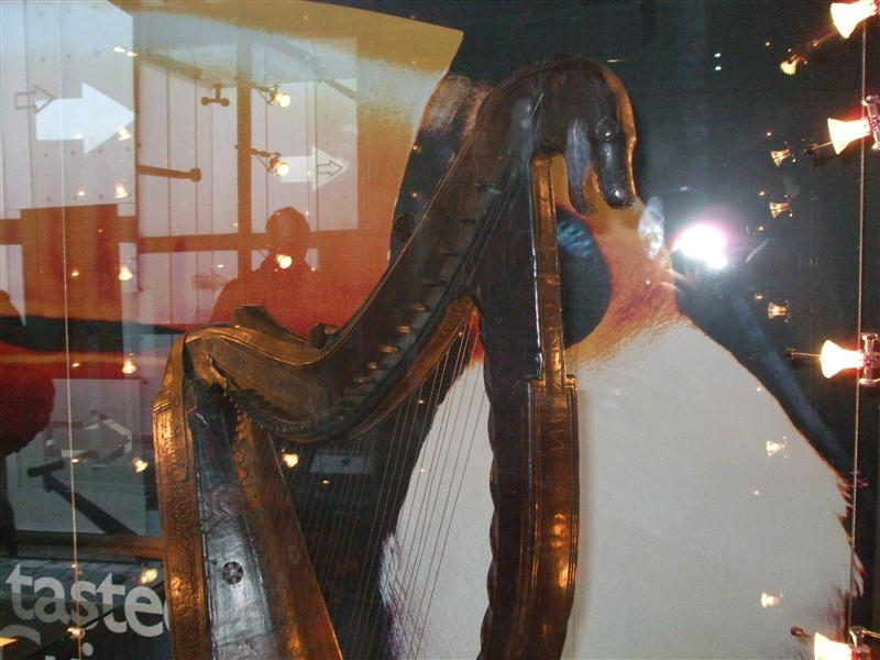 The Guinness Harp close-up