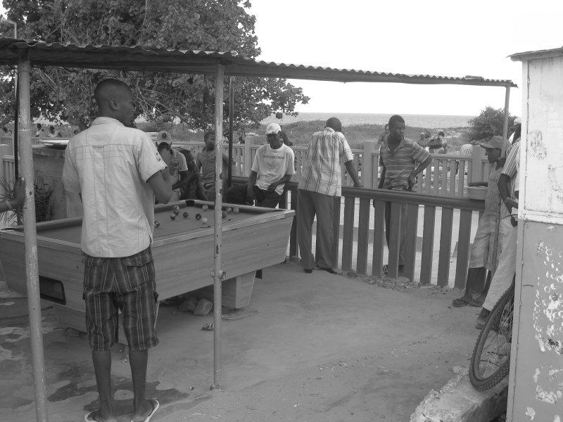 Shooting Pool Maputo Style