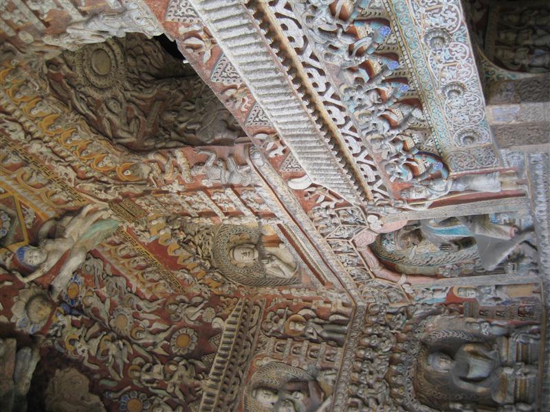 sandstone carvings in yungang caves