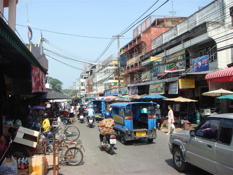 Normales Strassentreiben in Chiang Rai