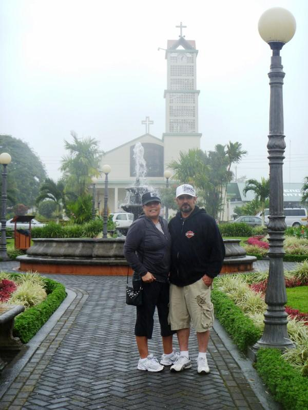 Mom and Dad, cental park of La Fortuna