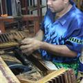 Forming, cutting and pressing the cigars