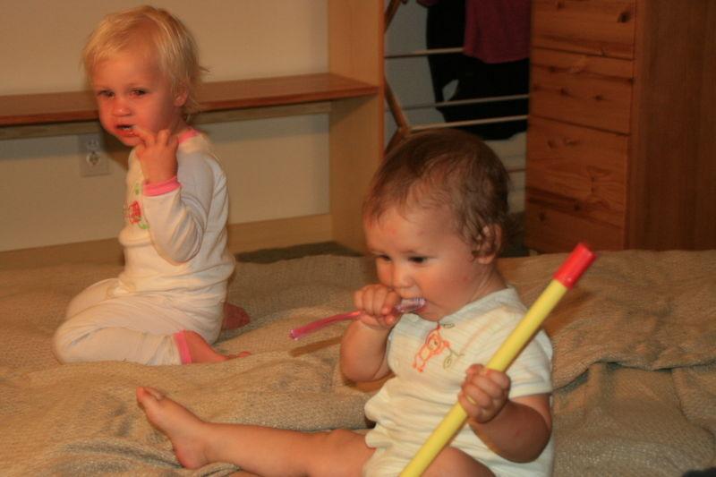 Jolene and Ben brushing teeth