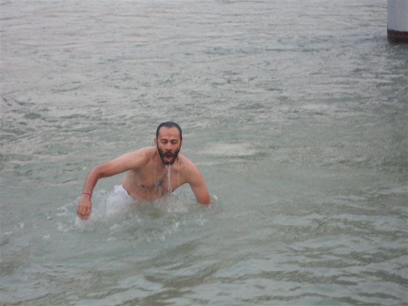 Jose Pablo: sobreviviendo las aguas del Ganges / surviving the waters of the Ganges