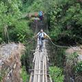 Jose: en otro de los puentes colgantes / in other of the hanging bridges