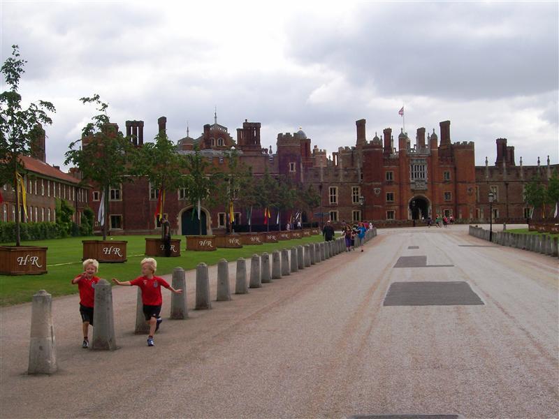 Hampton Court.  Henry VIII's slickest crib.
