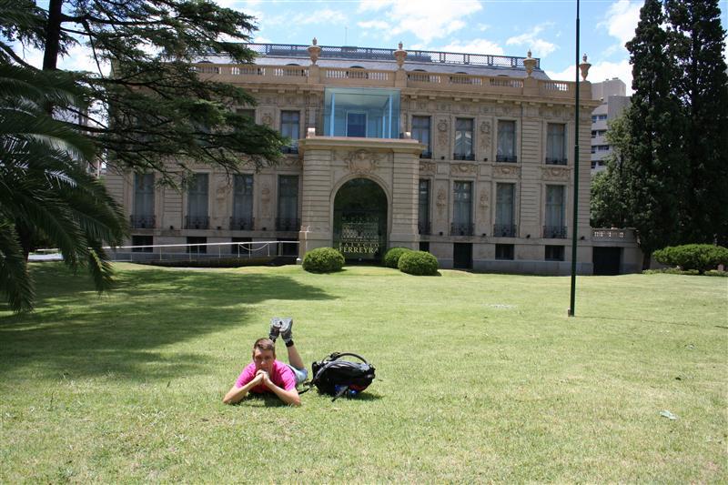 Vor nem Museum in Cordoba