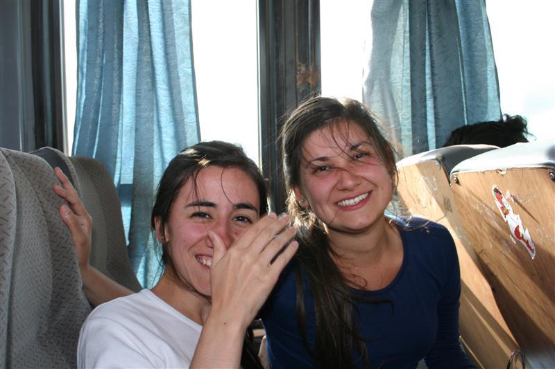 Lu und Irene im Bus nach La Quiaca