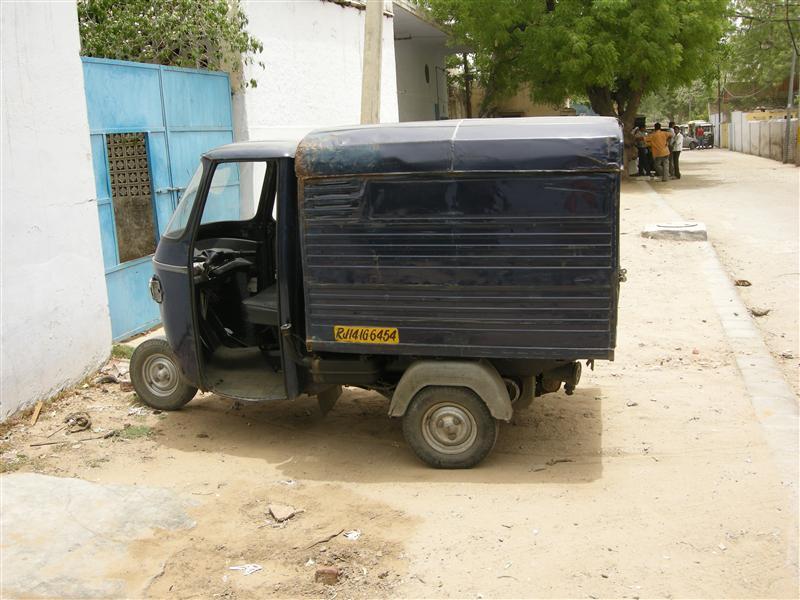 cube van in india