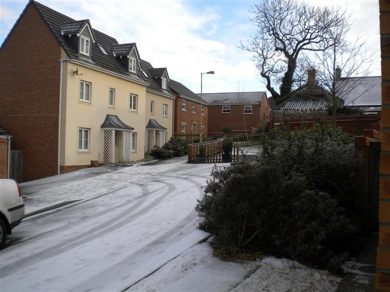 Icy Roads in Bridgend